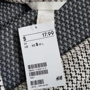 H&M Skirts - NWT H&M | Black and White Mini Skirt (A40)